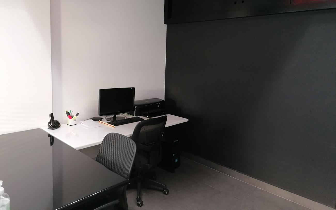 Assistant Desk
